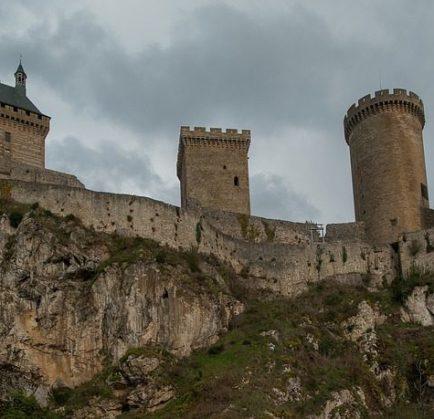 Réserver une chambre d'hôtel à Foix